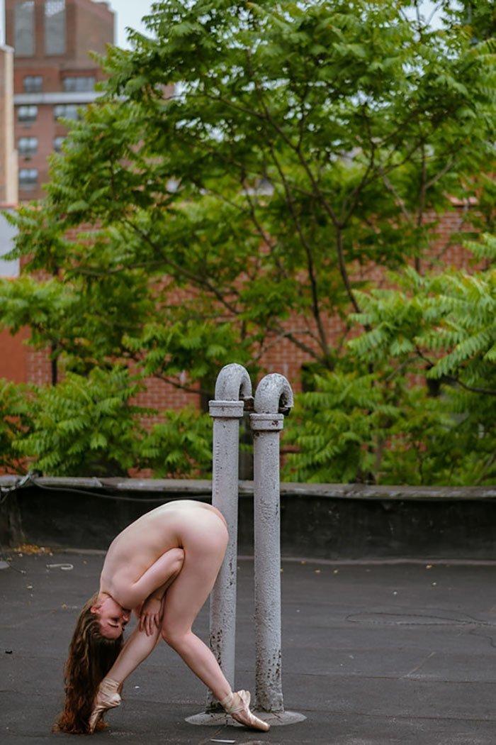 Фотопроект Bare Sky Dance: обнаженный балет на крышах Нью-Йорка балерина, балерун, балет, красота, обнажёнка, тела красивые, фотограф, фотопроект