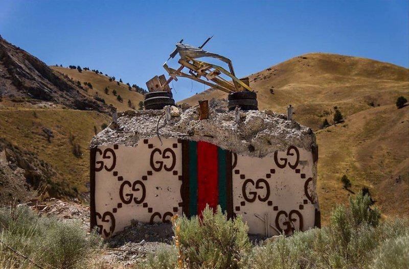 Уличный художник обличает мир потребления бетонными сумками инсталляция, искусство, лос-анджелес, мир потребления, модные бренды, обличая потребительство, сумки, художник