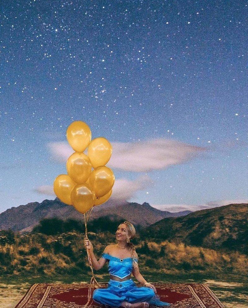 Новозеландский блогер Никола Истерби исполнила в свой 24-й день рождения давнюю мечту - примерила образ принцессы Жасмин и устроила вечеринку в восточном стиле Instagram, богатство, девушка, жизнь, роскошь, соцсеть, фото