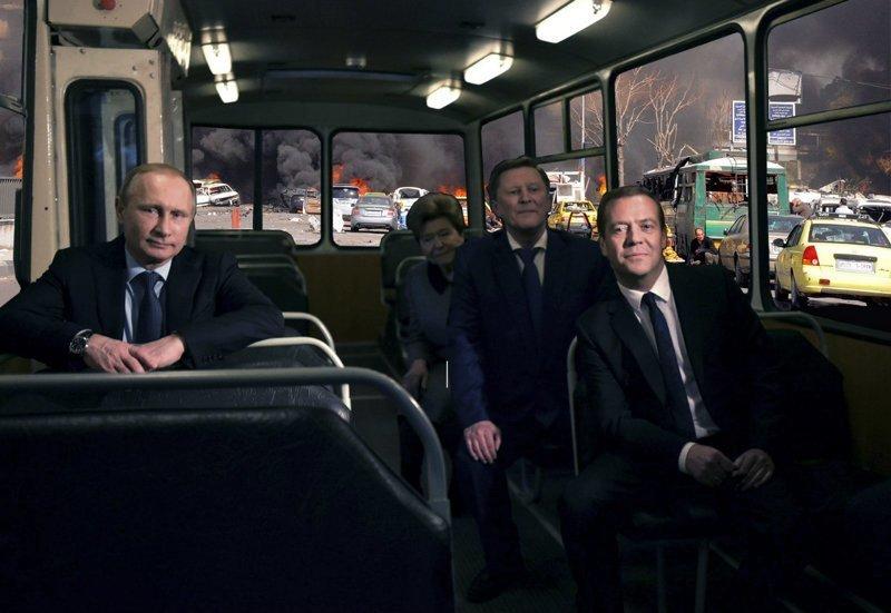 Во что превращается суровая Россия, когда есть фотошоп и немного фантазии забавно, прикол, россия, фотошоп, экзистенциальность, юмор
