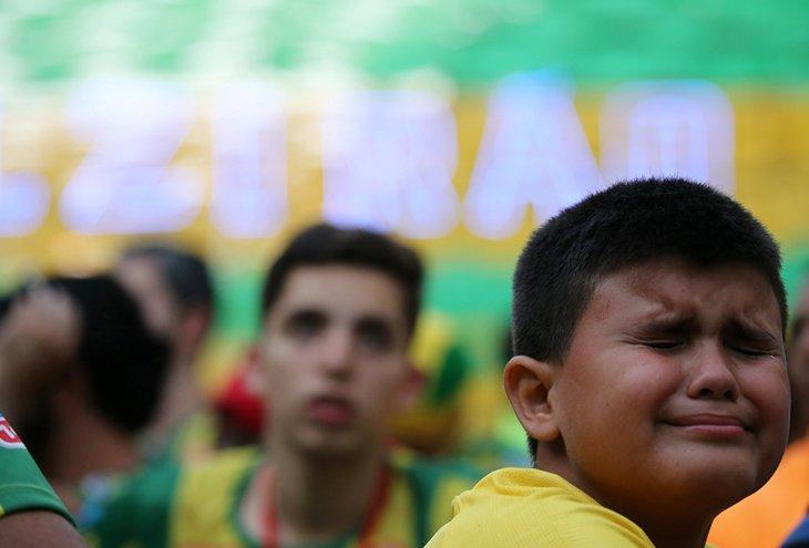 И Рио тоже в слезах. ЧМ 2018 по футболу, бразилия, поражение