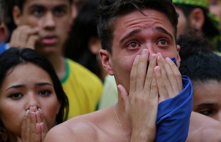 Вся Бразилия в слезах: удержаться невозможно ЧМ 2018 по футболу, бразилия, поражение