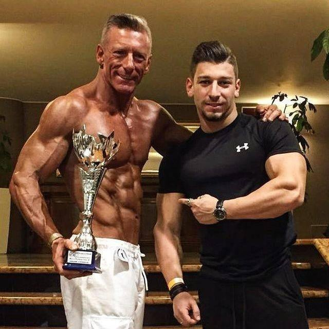 Приведя себя в форму, Роберто даже решил принять участие в соревнованиях по бодибилдингу бодибилдер, внешность, качок, отец, спорт, сын