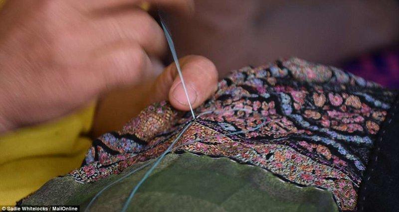 Сложные узоры и искусность вышивки поражают Кашмир, вышивка, индия, мастерство, палантин, ремесло, ткачество, ткачи