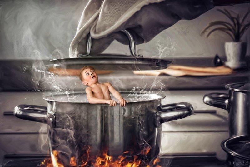 12. In Hot Water - В горячей воде (Иметь неприятности, быть в беде) английские, выражения, забавные картинки, идиомы, иллюстрации, перевод на русский, познавательно, фотограф