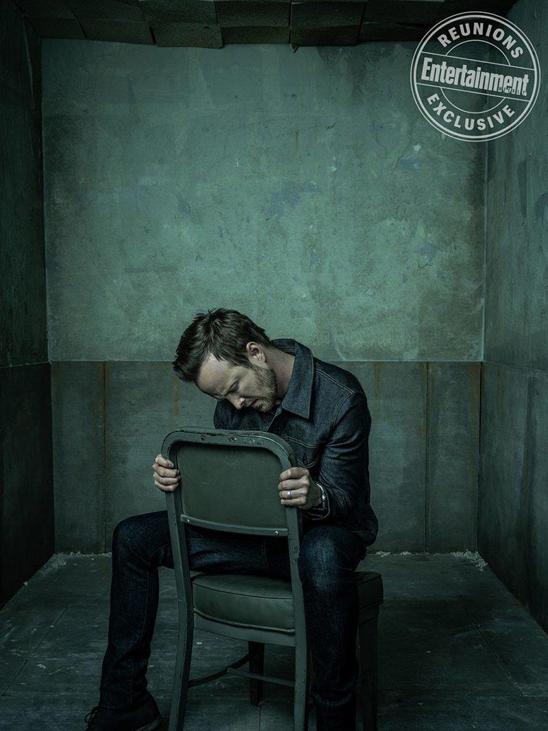 Аарон Пол, исполнивший роль Джесси Пинкмана. Его персонаж запомнился частым упоминанием слов «Yeah» и «Bitch» видео, во все тяжкие, кино, сериал, тогда и сейчас, фильм, фотосессия