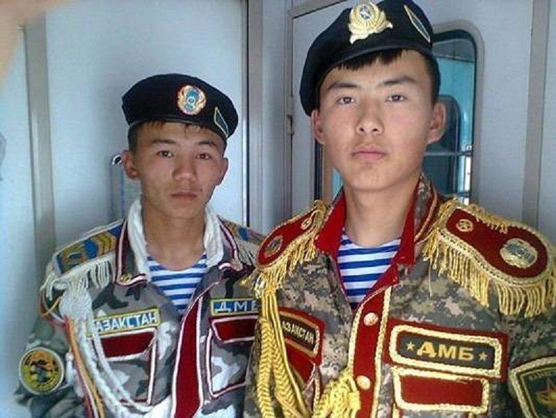 Возвращались в родные края дембеля! «Швейные войска», военная форма одежды, дмб