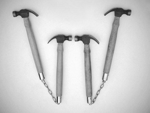2 молотка = 1 нунчаки гвоздодёры, инструменты, ключи, молотки, отвертки, пассатижи, прикол, разводные ключи