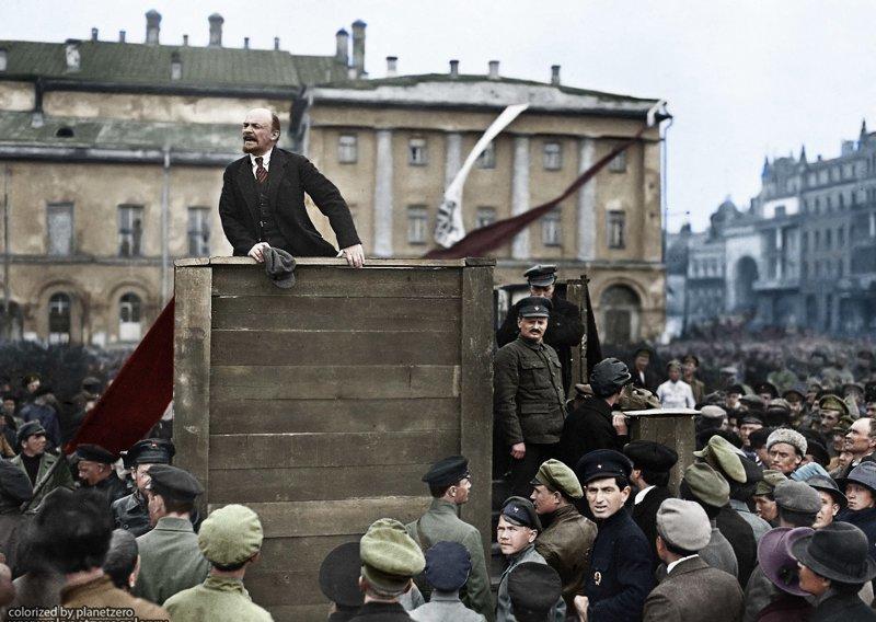 Выступление Ленина перед солдатами, отправляющимися на польский фронт 5 мая 1920 colorized by planetzero, planetzerocolor, колоризация, цветные фотографии начала 20 века