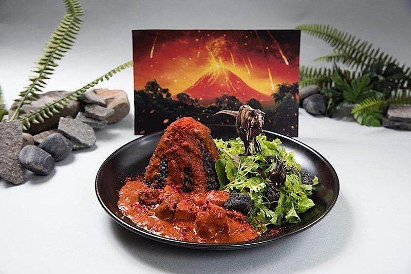 """""""Вулканическая карри"""" - еще одно оригинальное блюдо блюда, еда, кафе, кино, креатив, мир юрского периода, ресторан, япония"""