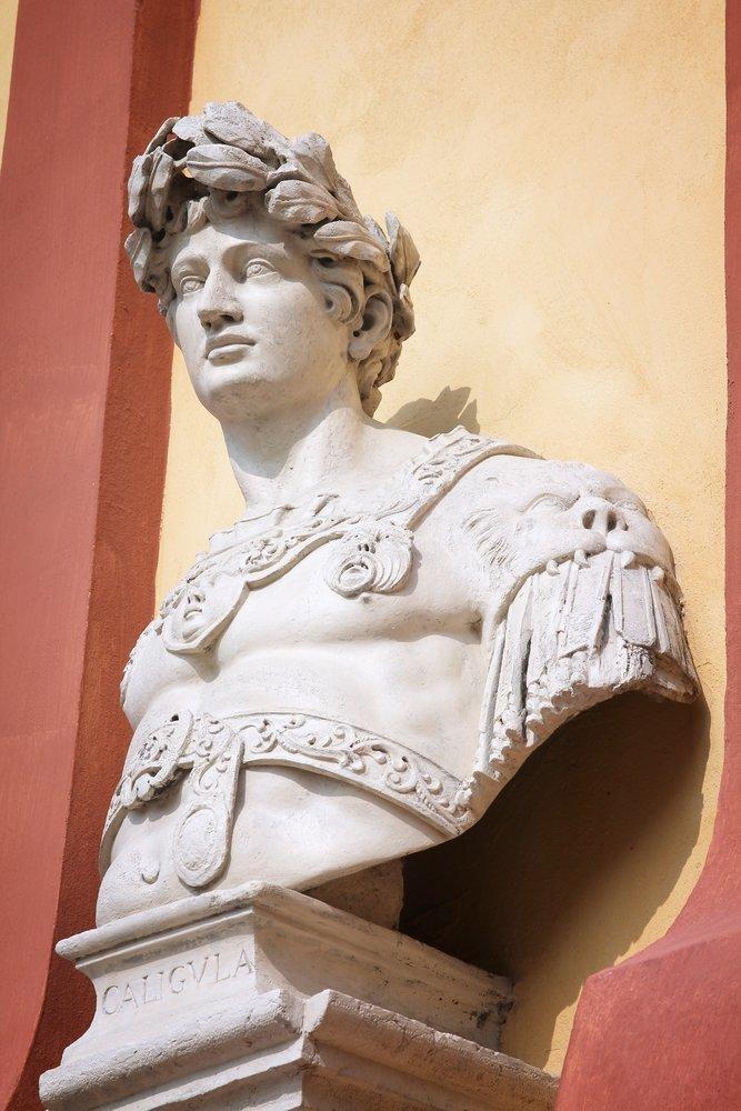 Вредность Калигула, безумие, история, культ, лошадь, факты