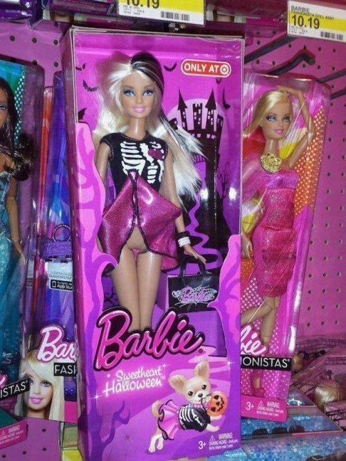 Хэллоуинская версия barbie, барби, игрушка, игрушки, прикол, щетина
