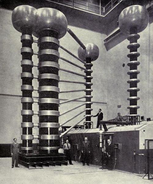 13. Рентгеновский оборудование мощностью 1,4000,000 вольт в лаборатории Национального бюро стандартов в Вашингтоне, округ Колумбия, 1946 год изобретения, исторические фото, медицина, медицина прошлого, оборудование, рентгеновский аппарат, фото