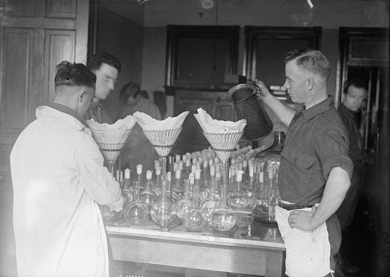 5. Производство вакцины, США, 1917 изобретения, исторические фото, медицина, медицина прошлого, оборудование, рентгеновский аппарат, фото