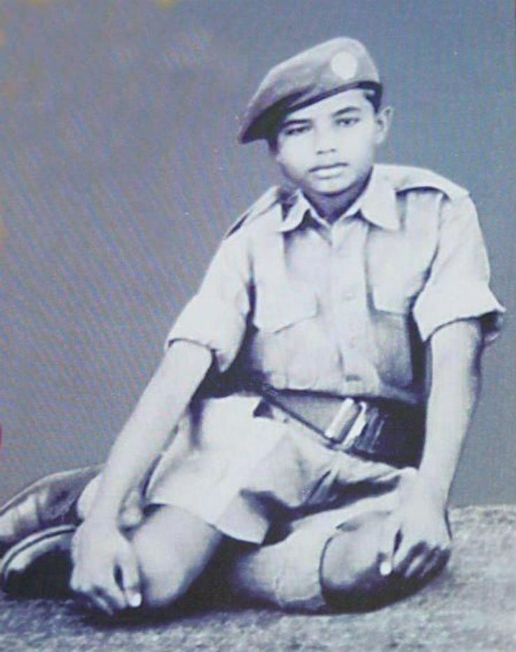 Нарендра Моди, будущий премьер-министр Индии, в юности  индия, интересное, история, личность, прошлое, событие, фотография, фотомир