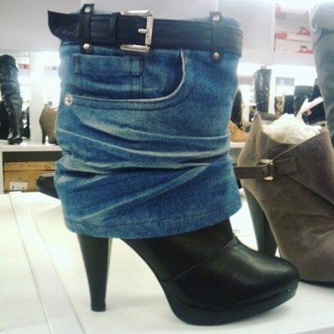 2. Кто-то решил одеть эти сапожки видео, дизайн, интересное, маразм, мода, обувь, подборка