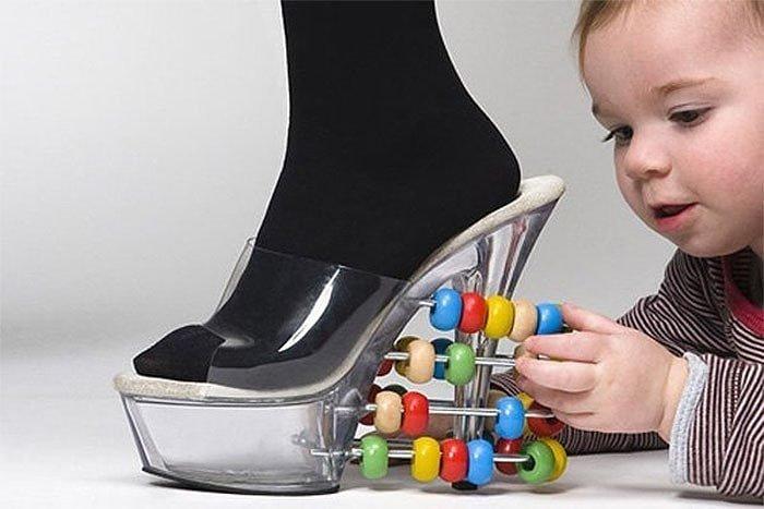 4. Когда ты воспитатель в детском саду и на работу хочется придти на каблуках видео, дизайн, интересное, маразм, мода, обувь, подборка