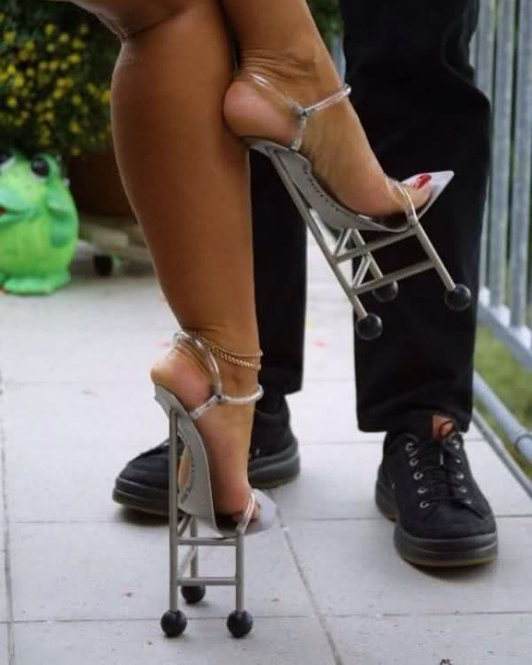 1. Когда туфлям приделали ножки видео, дизайн, интересное, маразм, мода, обувь, подборка