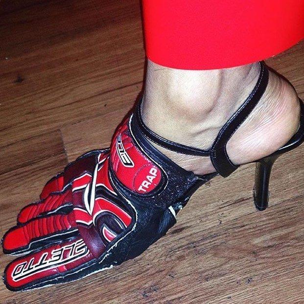 9. Туфли настоящей гонщицы видео, дизайн, интересное, маразм, мода, обувь, подборка