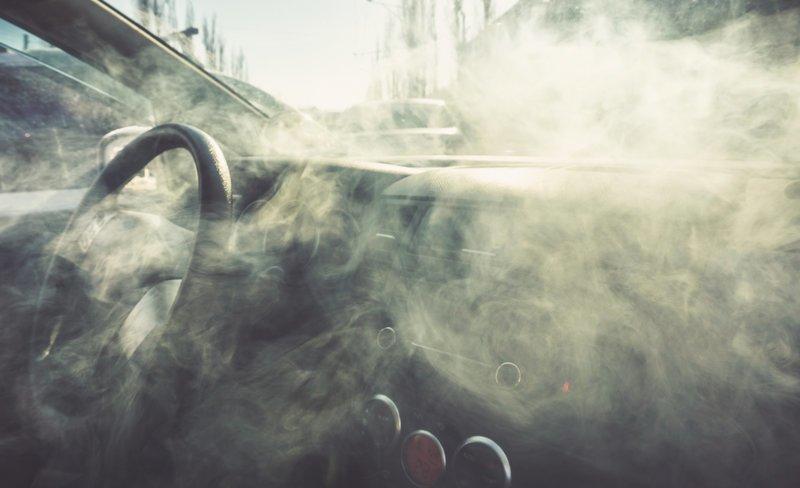 Аэрозоль жара, машина, опасность, пожар, полезный совет, список