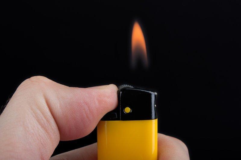 Зажигалки жара, машина, опасность, пожар, полезный совет, список