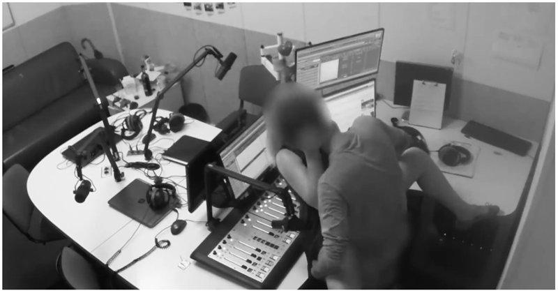 Парочка занялась сексом в студии киевского радио видео, киев, прикол, радиостанция, секс, скандал, украина