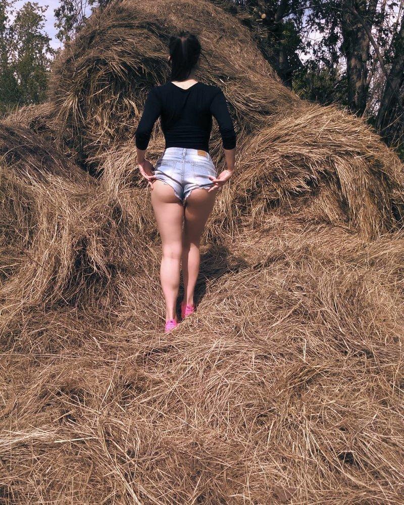 Булки на прогулке: пост о моде на короткие шорты девушки, красота, лето, россия, тепло, шорты