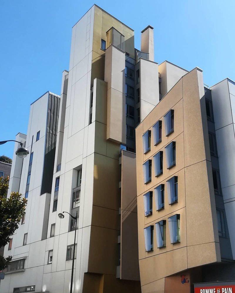 Одно из зданий Фредерика Бореля Deconstructivism, архитектура, деконструктивизм, здания, необычная архитектура, строения