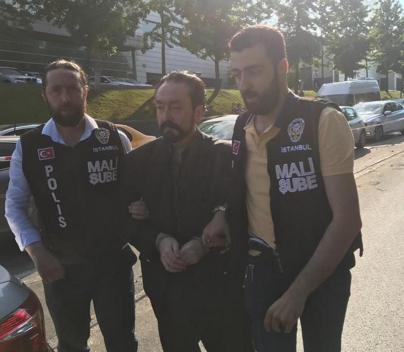 В Стамбуле арестовали скандально известного лидера секс-секты в мире, задержание, ислам, проповедник, секс-секта, секта, турция