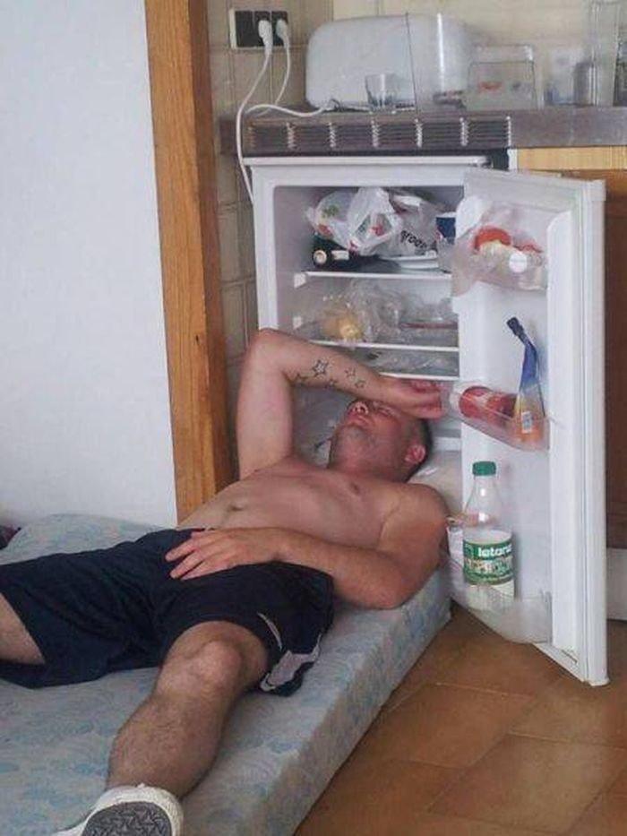 14. Прекрасное спальное место. Главное – бюджетно и прохладно. жара, зной, лето, неприятности, нытье, фото