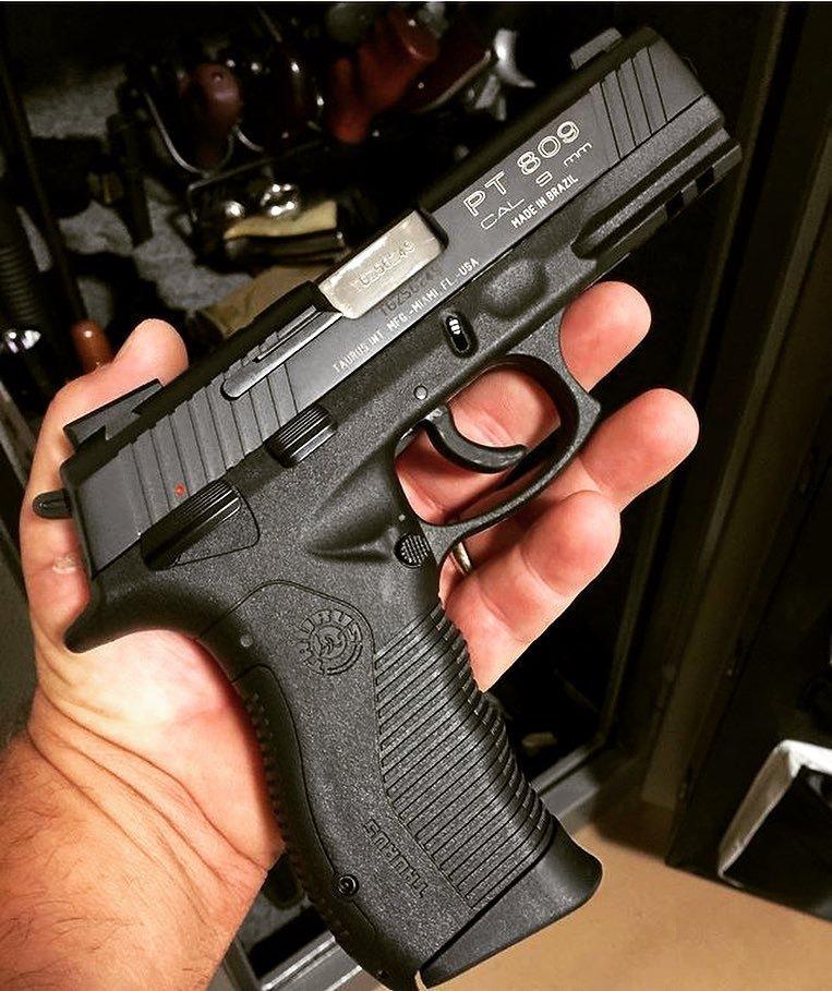 Taurus PT 809 америка, американцы, оружие, сша, штаты