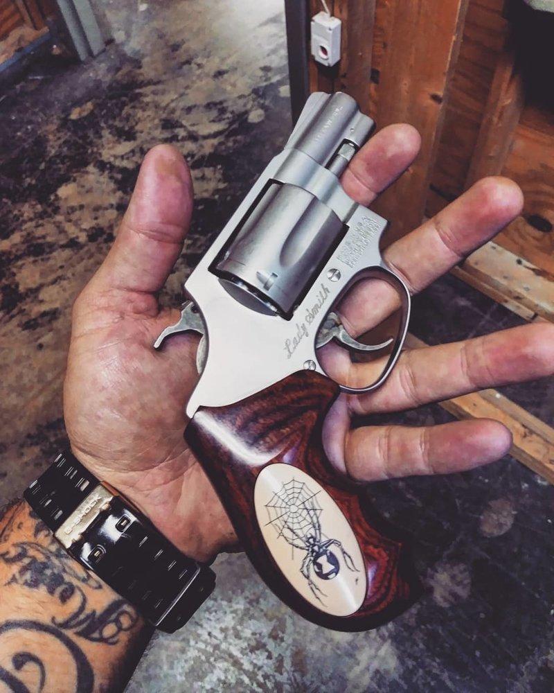 Smith & Wesson 60-7 америка, американцы, оружие, сша, штаты