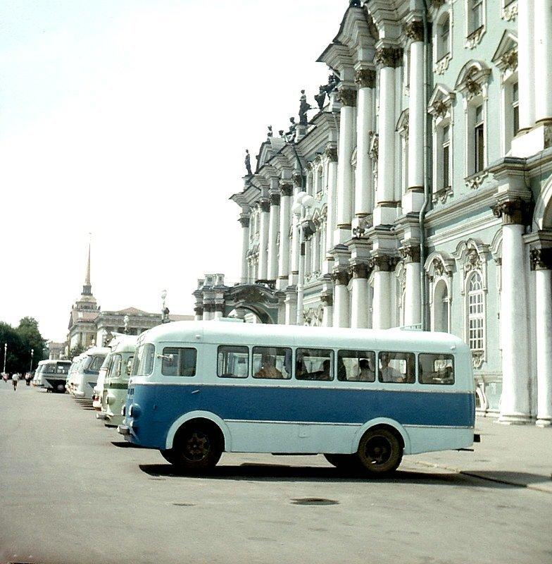 Ленинград. Экскурсионные автобусы. СССР, история, фотографии в цвете