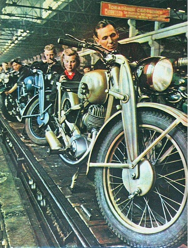 Производство мотоциклов на Ижевском заводе, 1950 СССР, история, фотографии в цвете