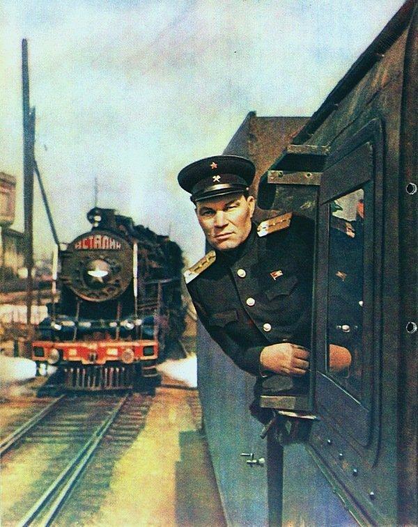 Советский железнодорожник-машинист СССР, история, фотографии в цвете