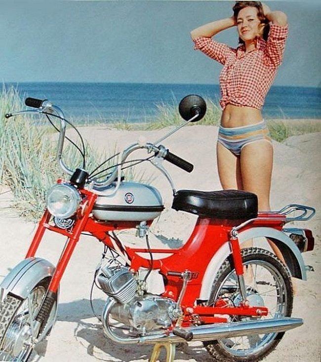 Реклама мопеда РИГА-22 для зарубежных покупателей СССР, история, фотографии в цвете