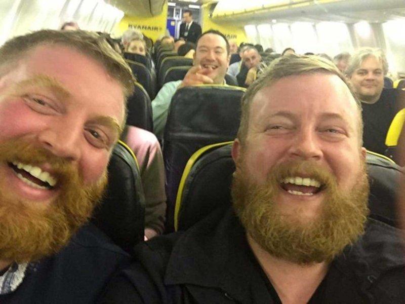 Нил Дуглас увидел своего двойника Роберта Стирлинга во время рейса из Лондона в Голуэй встреча, двойник, мир, случайность, удача, фотография, человек