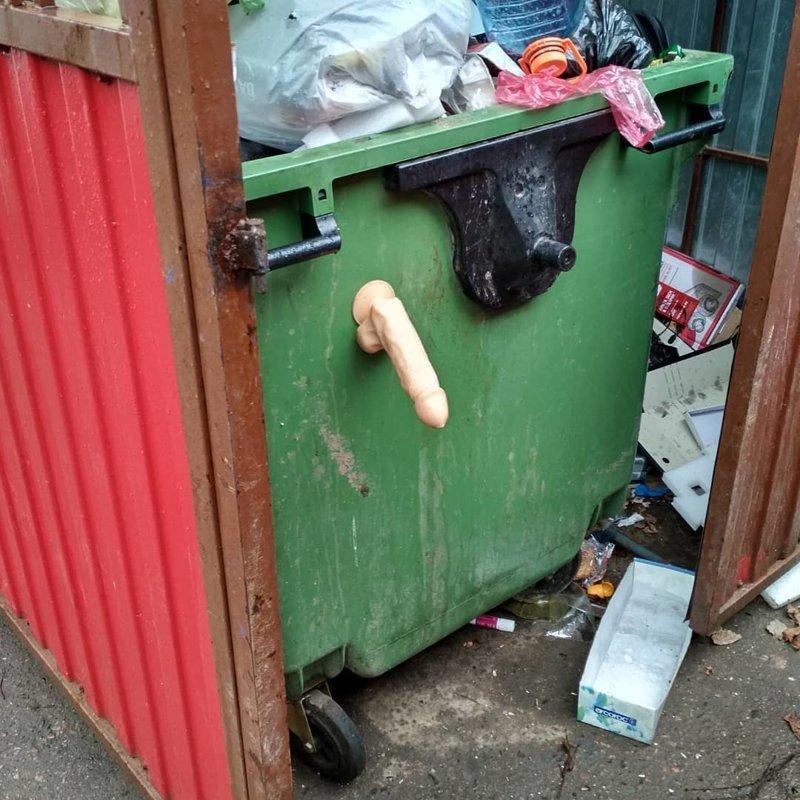 Неожиданные находки, которые можно встретить только на российских помойках мусорка, помойка, помойное ведро, россия, свалка, фото