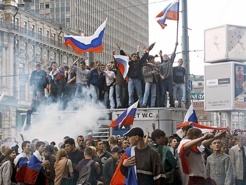 Разгром центра Москвы после проигрыша сборной России на чемпионате мира болельщики, погром, россия, спорт, фанаты, футбол, чемпионат мира