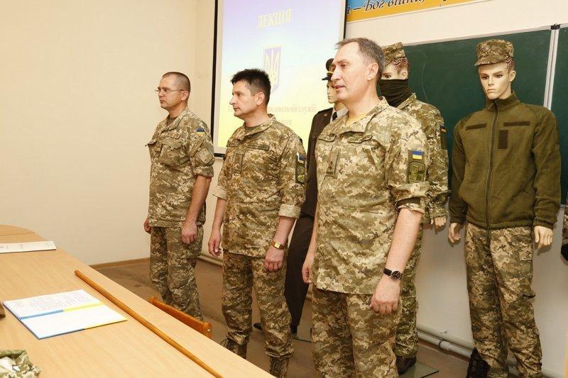 этом производительность новая форма армии россии фото замшевые ботфорты