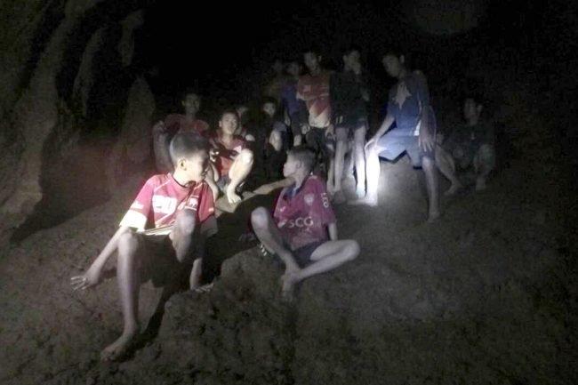 Спасательная операция в пещере Тхам Луанг германия, землетрясение, пещера, спасение, тайланд, трагедия, шахта