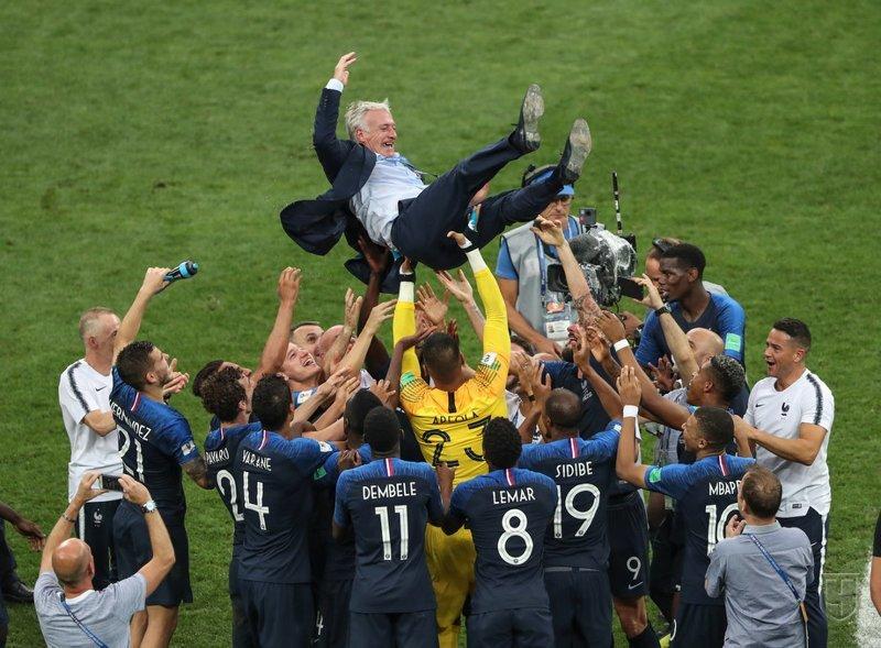 Тренер Франции - сам Чемпион мира как игрок и снова чемпион как тренер спорт, франция, футбол, чм2018