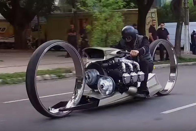 Самый необычный мотоцикл в мире с авиационным двигателем Rolls-Royce авто, байк, видео, кастом-байк, кастомайзинг, мото, мотоцикл