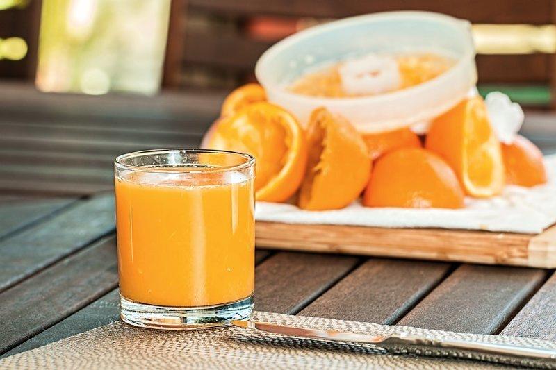 1. Свежевыжатый сок на голодный желудок вредные привычки, жизнь, интересно, пагубные пристрастия, факты