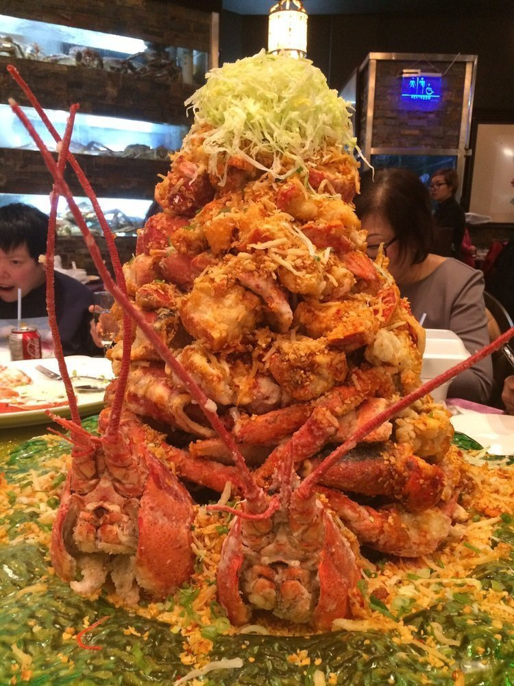 Вес такой горы - около 22 килограммов, а стоимость может доходить до 700 долларов. блюдо, в мире, дорогая еда, дорого, еда, лобстеры, морепродукты, ресторан