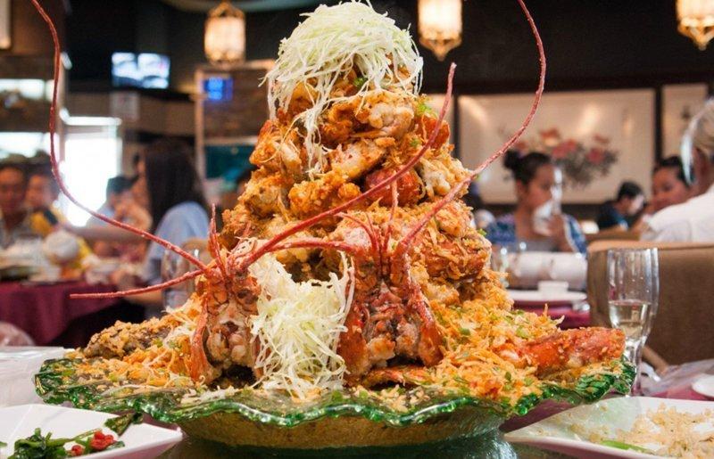 Гора из лобстеров - дорогое удовольствие за 500$ в канадском ресторане блюдо, в мире, дорогая еда, дорого, еда, лобстеры, морепродукты, ресторан
