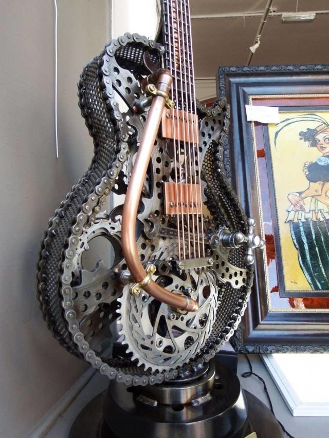 Гитара в стиле стимпанк день, животные, кадр, люди, мир, снимок, фото, фотоподборка