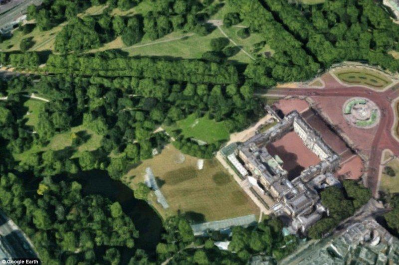 Сад и парк на территории Букингемского дворца англия, аномальная жара, аэрофотосъемка, великобритания, засуха, лондон, раньше и сейчас, сравнение