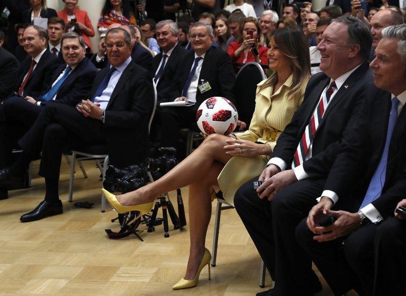 В подарке Путина Трампу нашли чип — но не тот, о котором все подумали ynews, Трамп, микрочип, новости, политика, путин, сша, футбольный мяч