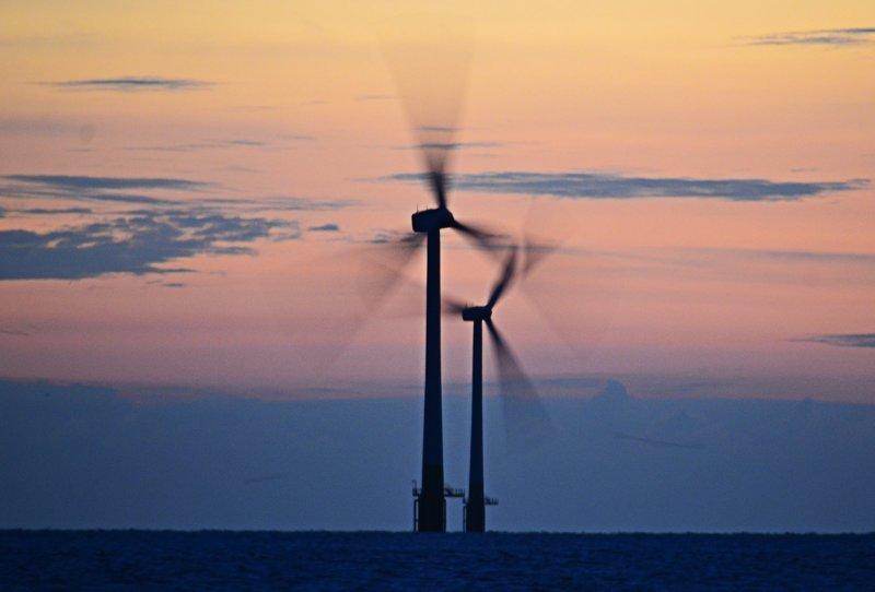 Эстетика морских ветряков Альтернативная энергетика, ветрогенератор, ветряк, море, энергетика, эстетика
